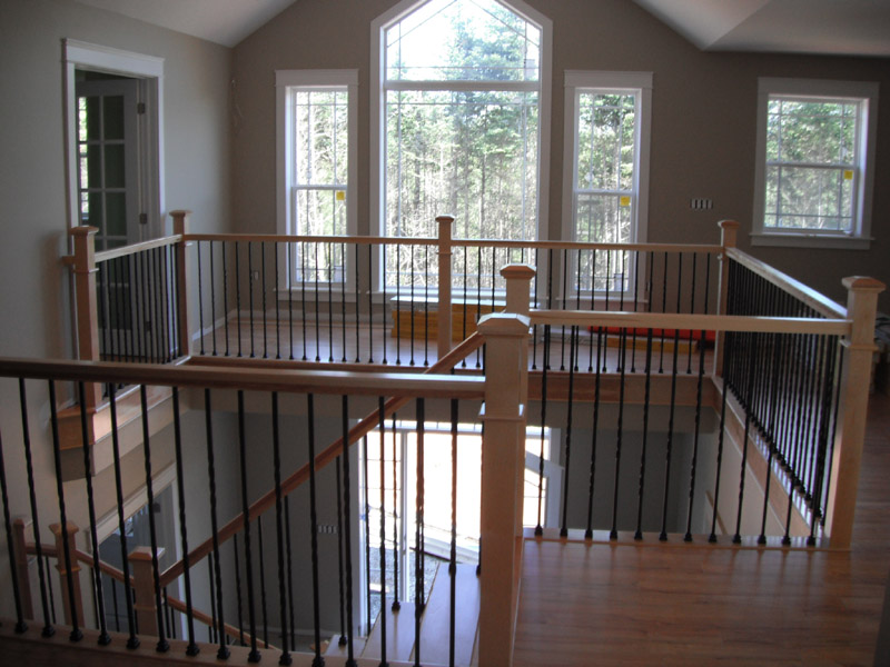 Square Craftsman Newel Post & Twist Metal Balusters - Picture #8