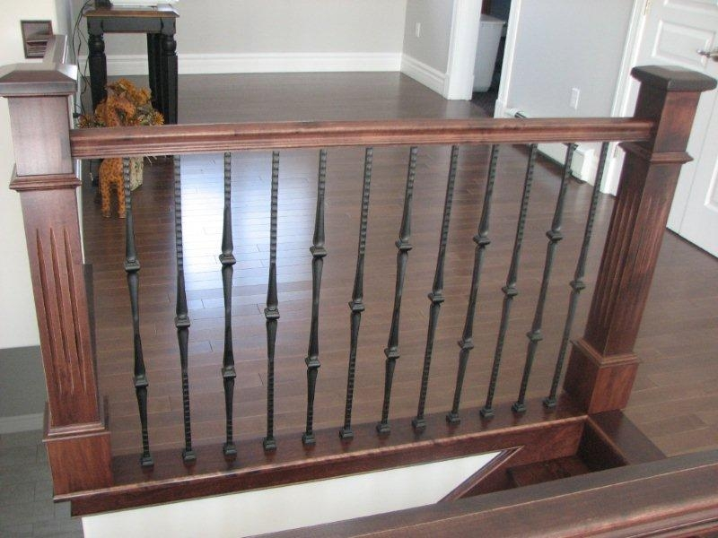 Oversized Fluted Box Newels & Hammered Spoon Metal Balusters - Picture #10