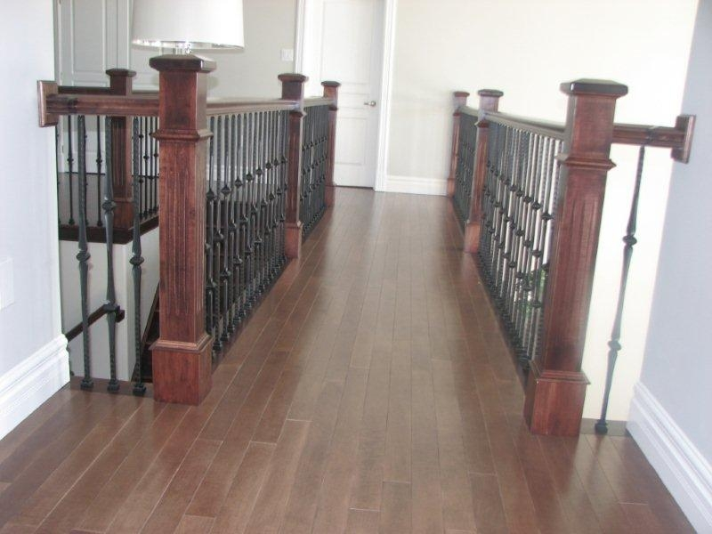 Oversized Fluted Box Newels & Hammered Spoon Metal Balusters - Picture #9